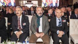 İzmir Fethi Sekin ve Musa Can'ı unutmadı