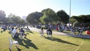 Karşıyaka'da 65 yaş üzeri vatandaşlara bayram konseri