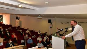 Başkan Gümrükçü'den Gazetecilere 500 Gün Brifingi