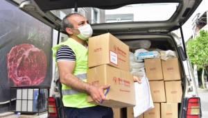 Bornova'da ihtiyaç sahiplerine Ramazan paketi yardımı