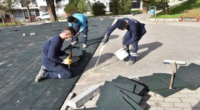 Bornova'da parklar yenileniyor