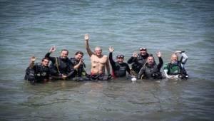 Başkan Soyer Körfez'de tüplü dalış yaptı