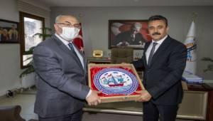 İzmir Valisi Köşger, Dikili'de muhtarlarla buluştu